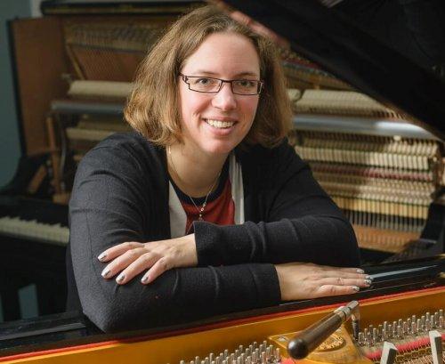 Paulien Meeuwsen | pianostemmen piano reparatie