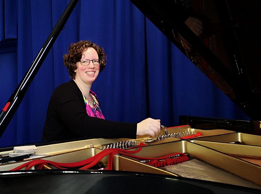 Piano stemmen door Pianoservice Paulien.
