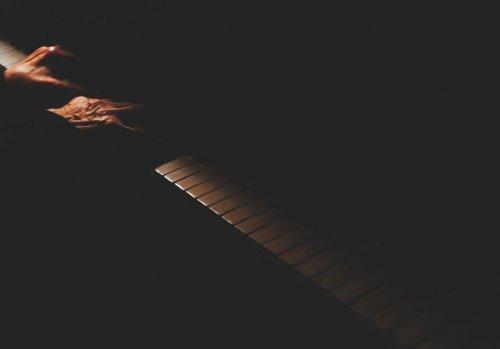 Piano spelen na het piano stemmen is een genot