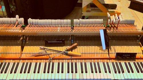 Piano open voor piano reparatie
