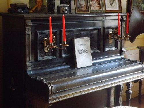 Oudere piano kopen of niet ? piano aankoop begeleiding helpt je een keuze maken